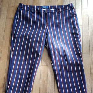 Old Navy mid rise striped cropped pants, size 16